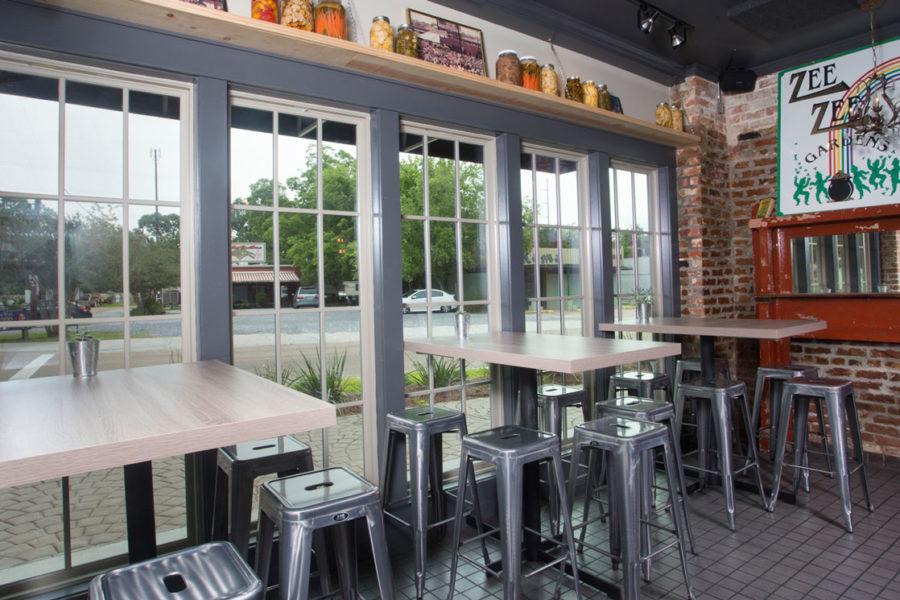 Bar dining tables